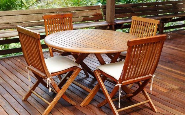 How to maintain teak furniture?